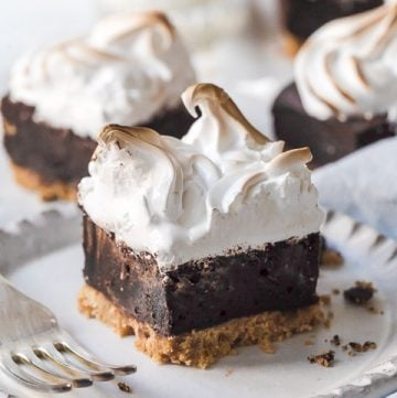 Layered S'more Brownies with Marshmallow Fluff
