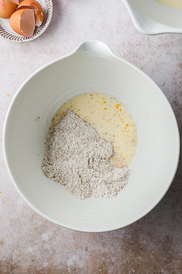 Adding wet ingredients into dry ingredients in crepes recipes